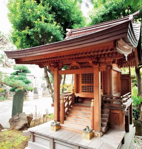 Inari shrine that Nishizawa has worked on