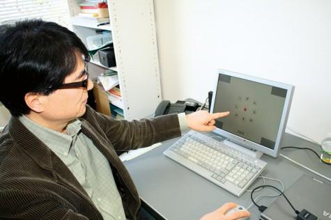 コンピュータを用いた予知実験。
