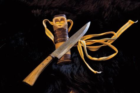 マタギに不可欠の道具、ナガサ(山刀)